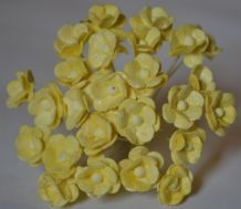 1.3cm LIGHT YELLOW DOUBLE-LAYERED Daisy Mulberry Paper Flowers
